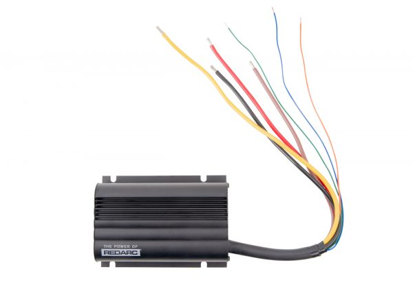 REDARC BCDC1225D IN VEHICLE CHARGER